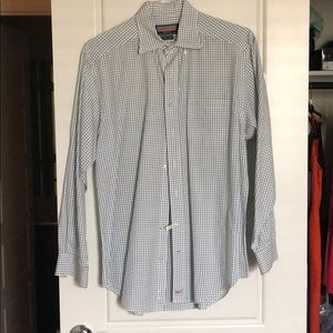 Medium Vineyard Vines Button Down